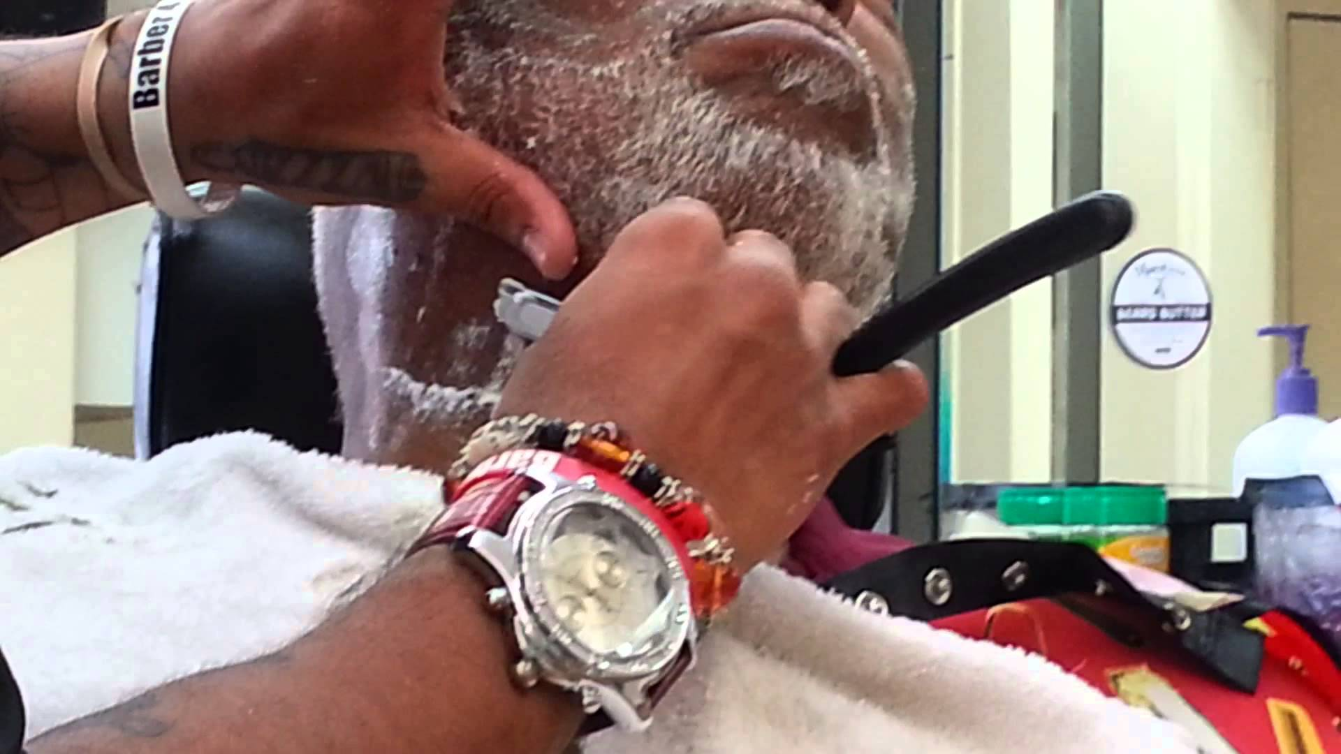LiVE How to Use Platinum Beard Oil